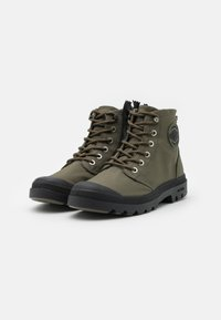 Palladium - PAMPA RCYCL LT WP UNISEX - Lace-up ankle boots - olive night - 1