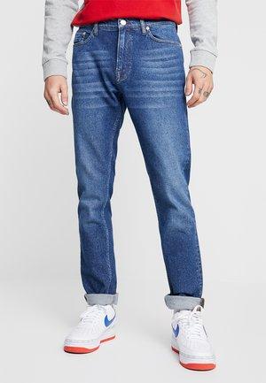 STEFAN - Džíny Slim Fit - mid blue
