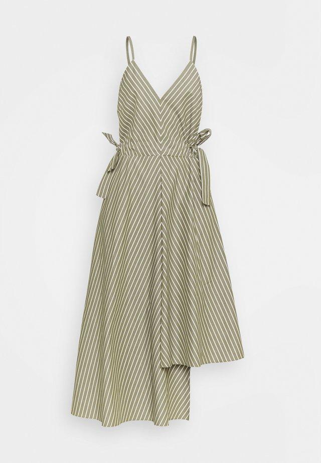 KEIRA - Robe d'été - sage green