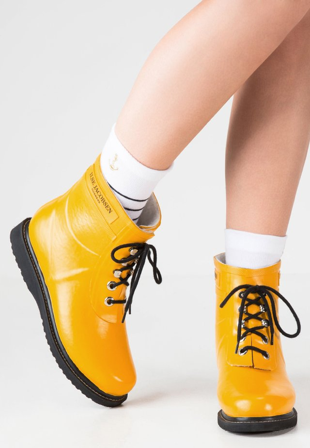 Wellies - cyber yellow