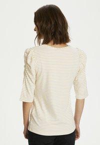 Cream - Print T-shirt - dusty sun - 2