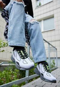 all in - XOX UNISEX - Trainers - white - 2