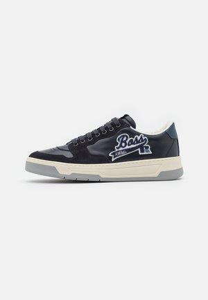 BOSS x Russell Athletic - Sneakersy niskie - dark blue
