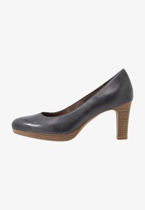 Platform heels - navy