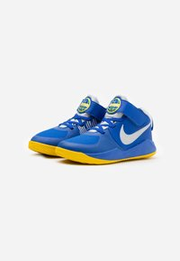 Nike Performance - TEAM HUSTLE 9 UNISEX  - Basketbalové boty - game royal/metallic silver/photon dust - 1