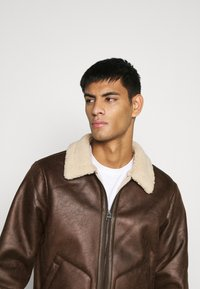 Only & Sons - ONSBEN AVIATOR - Faux leather jacket - chicory coffee - 5