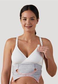 Bravado Designs - Clip and Pump Nursing Accessory - Varios accesorios - light grey - 5