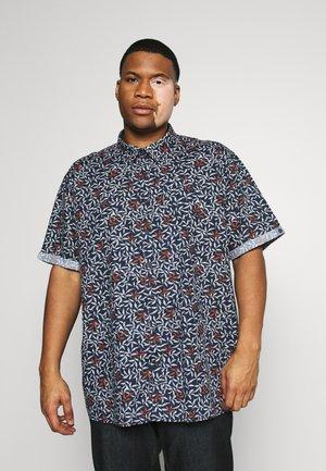 Skjorta - rot