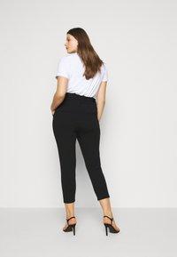 Vero Moda Curve - VMEVA PAPERBAG PANT - Bukse - black - 2