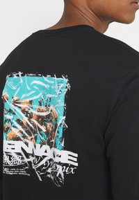 Mennace - MENNACE FLOWER BUNCH  - Långärmad tröja - black - 3