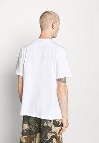 Hoodrich - DRIP - Print T-shirt - white/yellow - 2