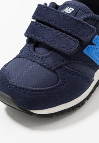 New Balance - IV420SB - Baskets basses - navy - 2