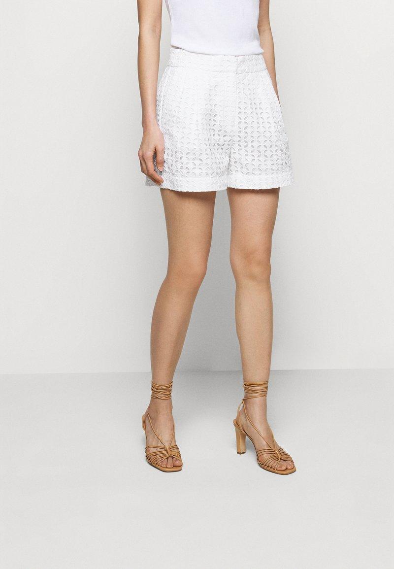 MICHAEL Michael Kors - EYELET PLEATED - Shorts - white