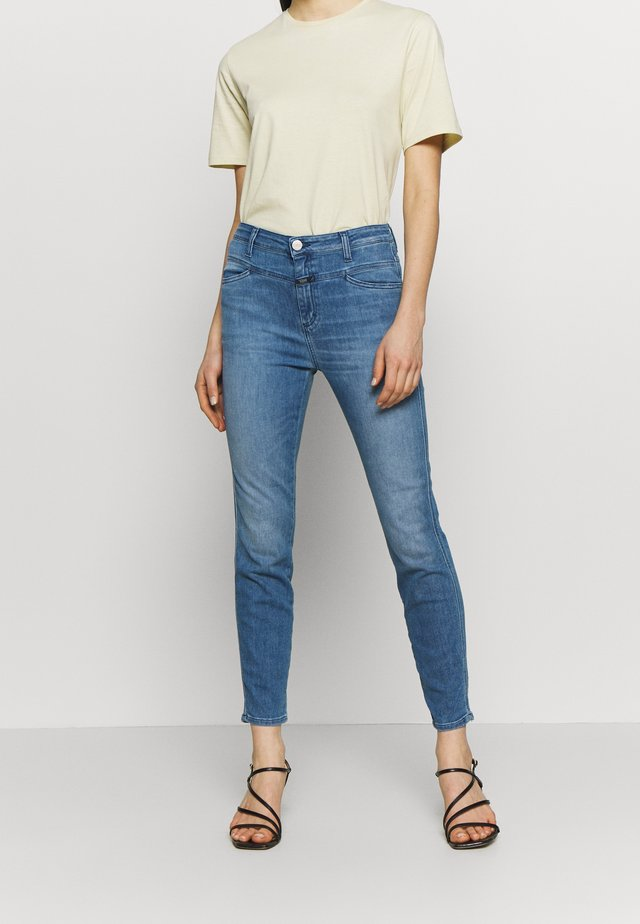 SKINNY PUSHER HIGH WAIST CROPPED LENGTH - Jeans Skinny Fit - mid blue