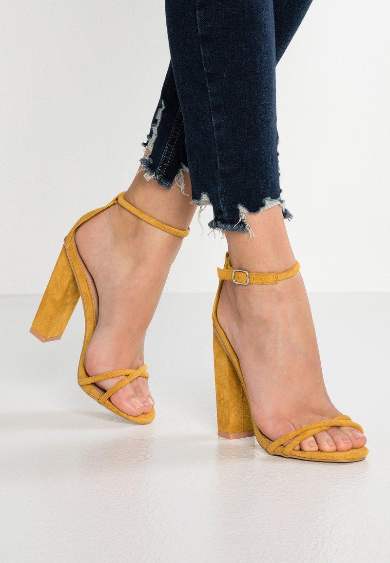 Glamorous - Sandały na obcasie - mustard