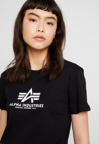 Alpha Industries - NEW BASIC - Print T-shirt - black - 4