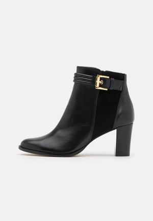 VURIDIA - Kotníková obuv - noir