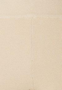 Object - OBJTILDA  - Shorts - sandshell - 2
