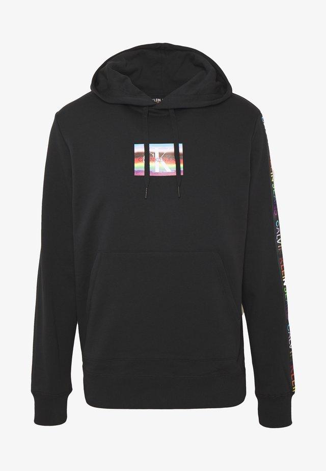 SMALL FLAG REGULAR HOODIE UNISEX PRIDE - Hoodie - black