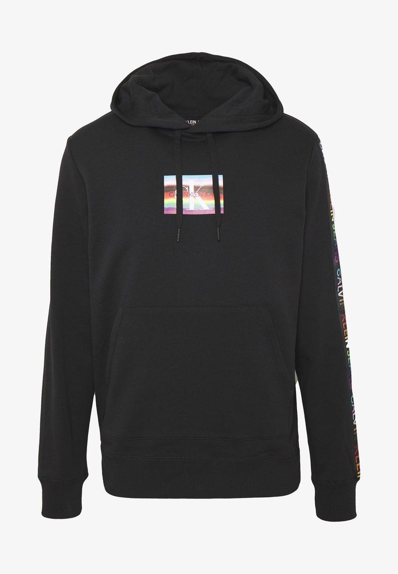 Calvin Klein Jeans - SMALL FLAG REGULAR HOODIE UNISEX PRIDE - Hoodie - black