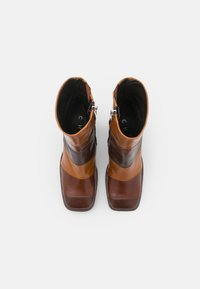 Chio - Kotníkové boty na platformě - brown/castana/tan sierra - 5