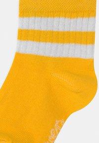 Ewers - RINGEL 4 PACK UNISEX - Socks - gelb/weiß/rose - 2