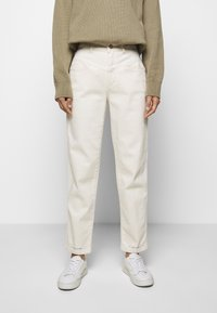 CLOSED - PEDAL PUSHER - Relaxed fit jeans - ecru - 0