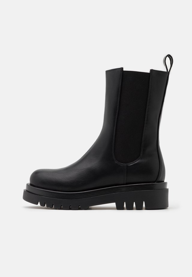 PULL ON TAB BOOTS - Platform boots - black