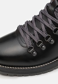 Shoe The Bear - LAWRENCE - Lace-up ankle boots - black - 5