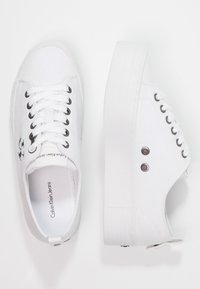 Calvin Klein Jeans - ZOLAH - Joggesko - white - 2