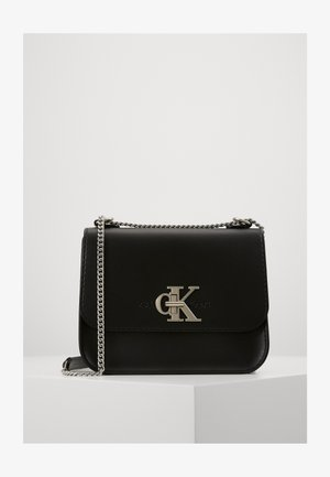 MEDIUM FLAP CHAIN - Torba na ramię - black