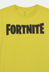 Name it - NKMFORTNITE - Print T-shirt - neon green - 2