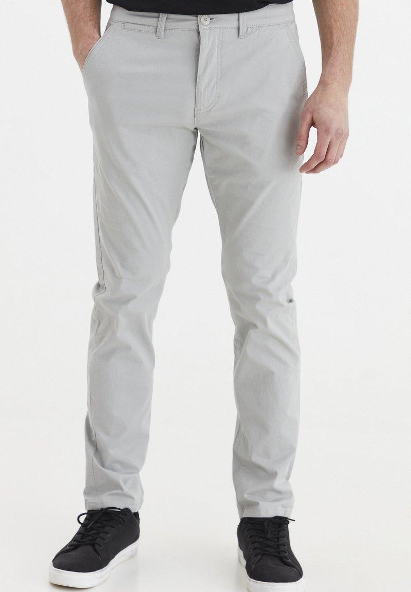 Solid - KILLIAN - Chinos - light grey