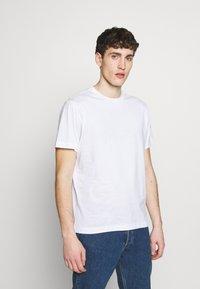 Colmar Originals - SOLID COLOR - Jednoduché triko - white - 0