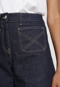 NORR - LUCAS WIDE LEG - Flared jeans - dark blue - 4