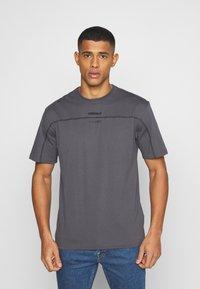 adidas Originals - UNISEX - Print T-shirt - gresix - 0