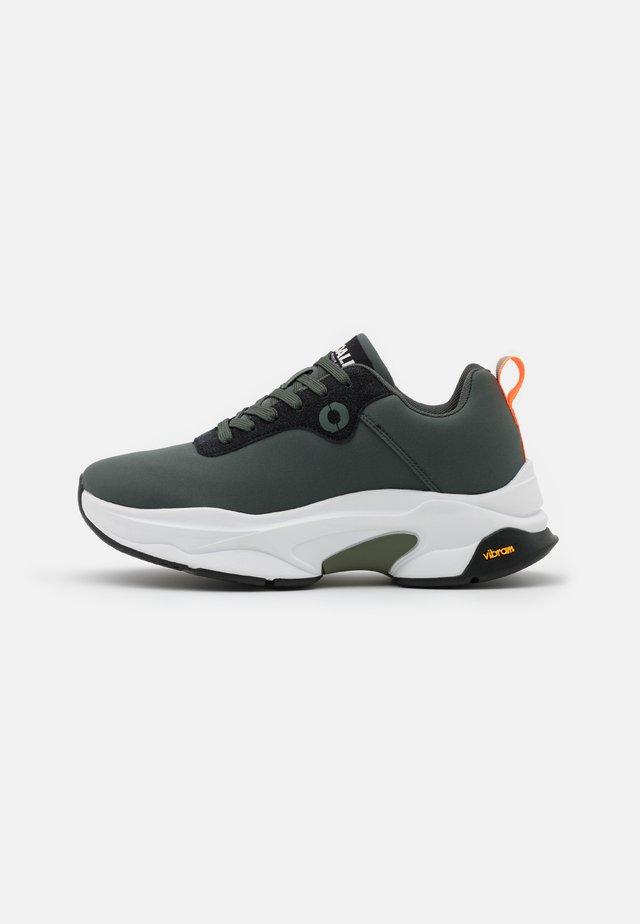 MONSTER - Sneakers basse - sage