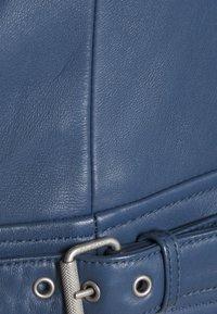 Belstaff - NEW MOLLISON JACKET - Veste en cuir - racing blue - 8