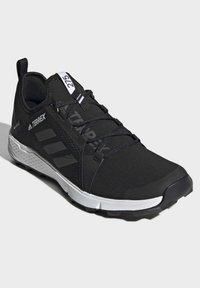adidas Performance - TERREX SPEED GORE-TEX TRAIL RUNNING SHOE - Trail running shoes - black - 3