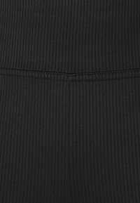 Gina Tricot - YARA SLIT - Leggings - Trousers - black - 2