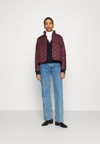 Selected Femme - SLFPLASTICCHANGE QUILTED JACKET - Light jacket - port royale - 1