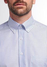 Eterna - COMFORT FIT - Shirt - helllblau/weiss - 2