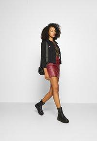 ONLY - ONLJESSIE SKIRT - Mini skirt - fired brick - 1