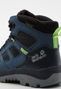 Jack Wolfskin - VOJO TEXAPORE MID UNISEX - Hiking shoes - dark blue/lime - 5