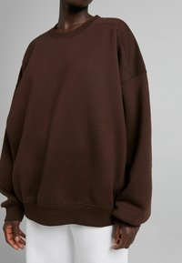Bershka - OVERSIZE  - Sweatshirt - brown - 3