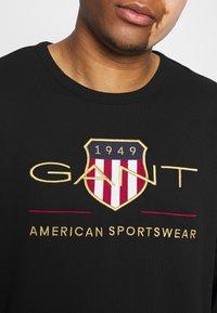 GANT - PLUS ARCHIVE SHIELD C NECK - Sweatshirt - black - 5