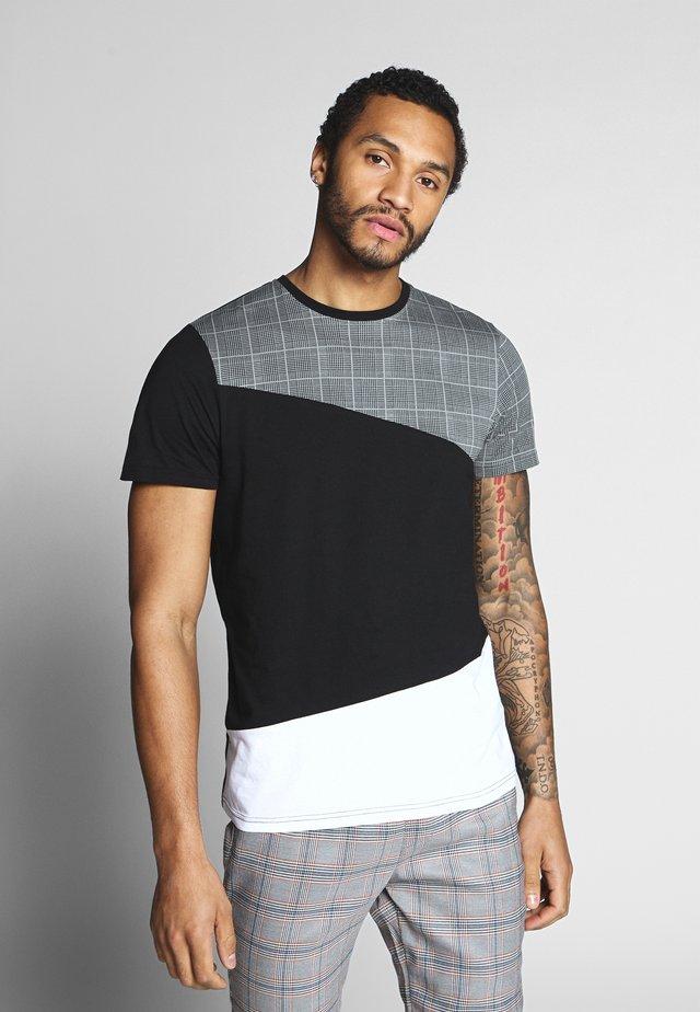 GARFISH - T-shirt con stampa - black/white