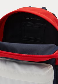Tommy Hilfiger - CORE MINI BACKPACK - Mochila - blue - 4