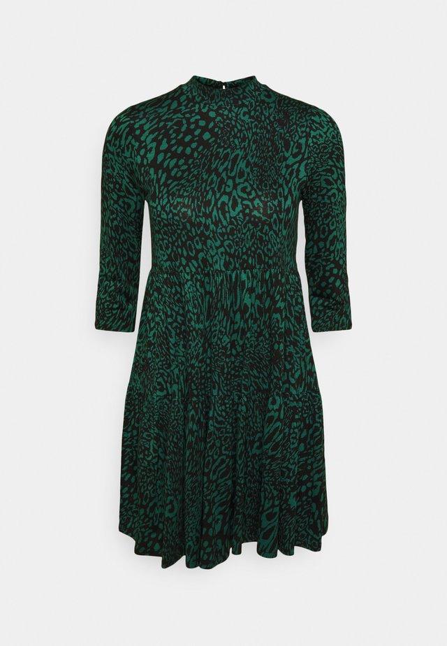 ANIMAL PRINT SMOCK DRESS - Day dress - green