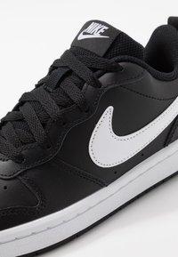 Nike Sportswear - COURT BOROUGH UNISEX - Baskets basses - black/white - 2